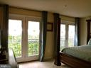 Master Bedroom has lots on natural light - 15839 JOHN DISKIN CIR #72, WOODBRIDGE