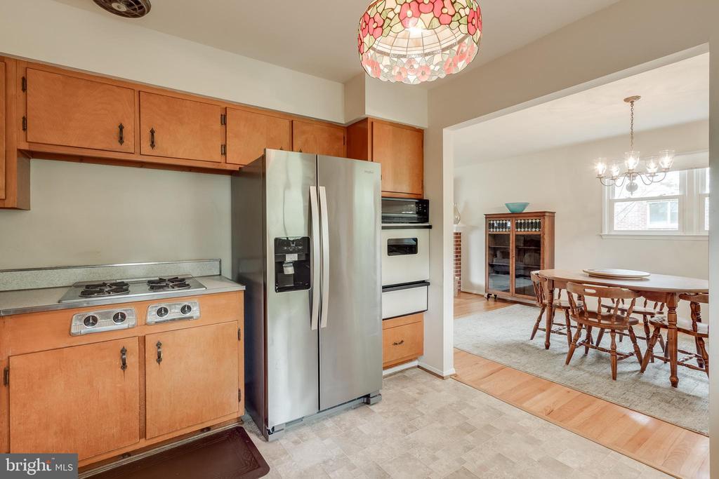Kitchen - 5951 KEDRON ST, SPRINGFIELD