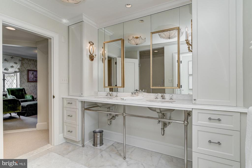 Master Bathroom - 6409 KENNEDY DR, CHEVY CHASE