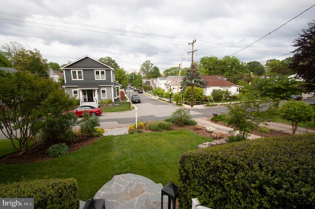 View from front porch is spectacular! - 900 N FREDERICK ST, ARLINGTON