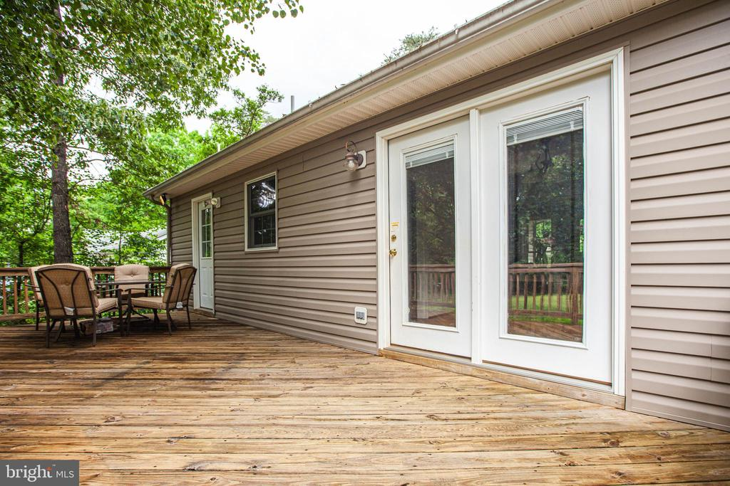 Deck - 241 MARDAY DR, RUTHER GLEN