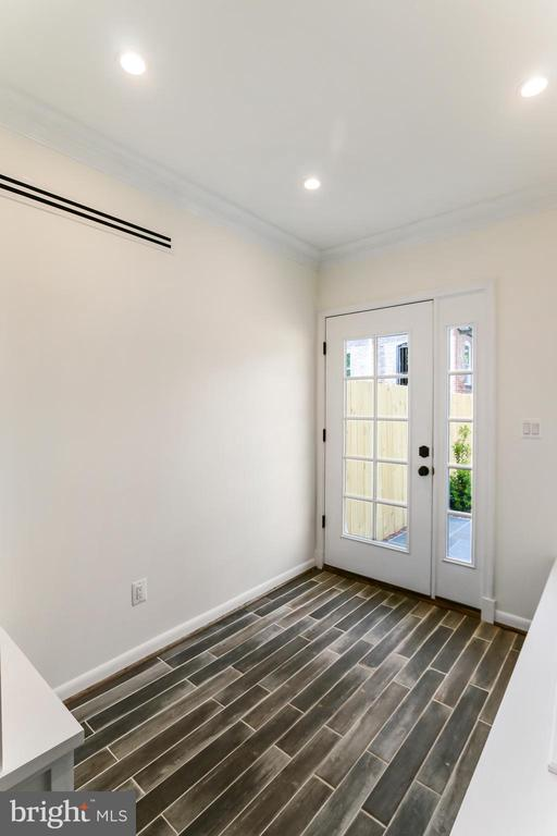 Mud Room #1 - Heated Tile floors - 2705 WOODLEY RD NW, WASHINGTON