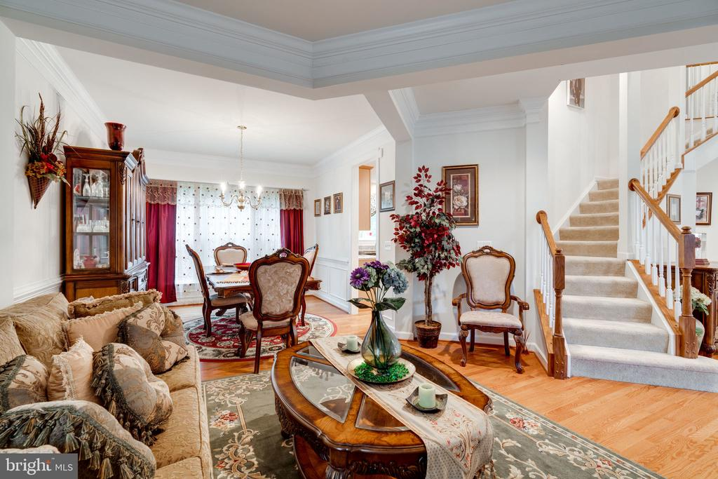 Sophisticated rooms with amazing moldings - 15672 ALTOMARE TRACE WAY, WOODBRIDGE