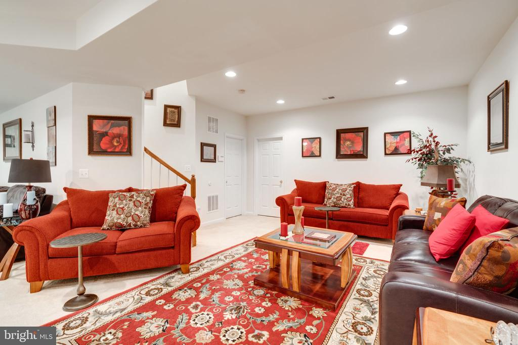 Generous and brightly lit rec room! - 15672 ALTOMARE TRACE WAY, WOODBRIDGE