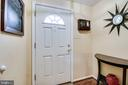 Open to a foyer - 5508 KENDRICK LN, BURKE