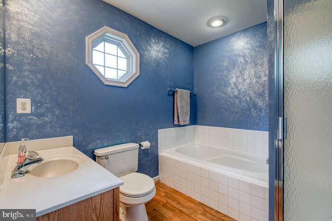 Master Bath - 14038 BROADVIEW LN, CULPEPER