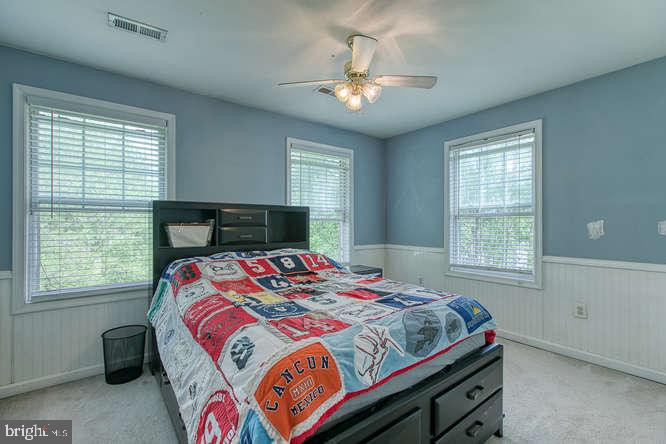 Bedroom 2 with wainscotting - 14038 BROADVIEW LN, CULPEPER