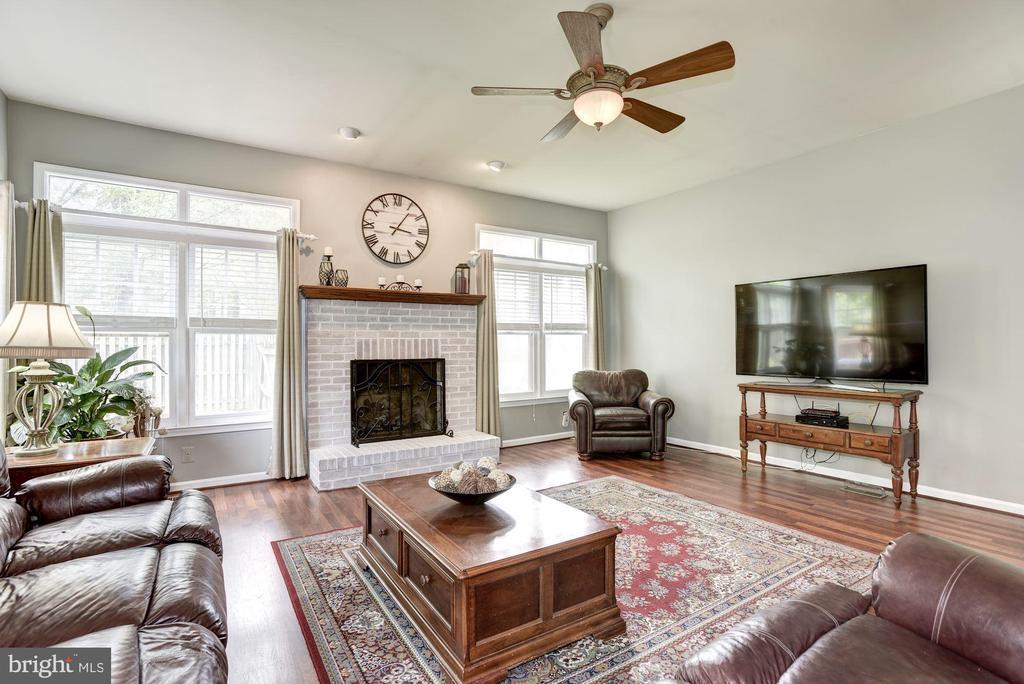 Family Room - 4811 WALNEY KNOLL CT, CHANTILLY