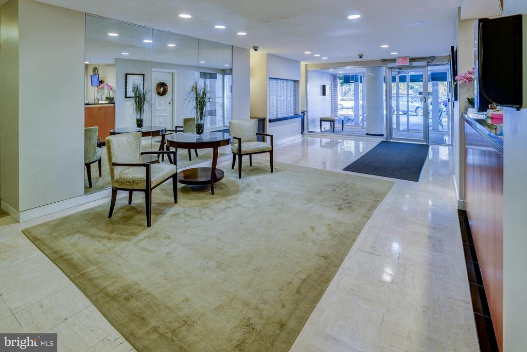 Lobby in Watson Place. - 3900 NW WATSON PL NW #A-7C, WASHINGTON