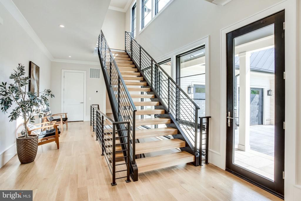 Custom metal stairs and railings - 711 FREDERICK ST SW, VIENNA