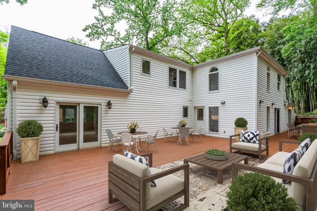 Outdoor Deck - Virtually Staged - 5125 37TH ST N, ARLINGTON