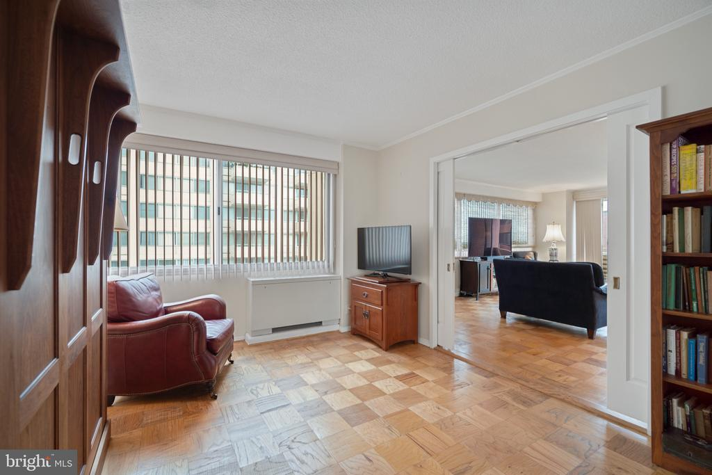 Second bedroom can be office - 5500 FRIENDSHIP BLVD #1616N, CHEVY CHASE