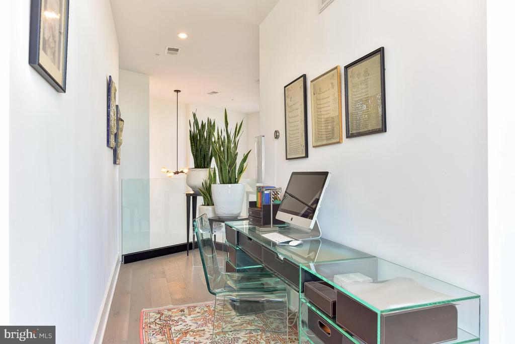 Desk Area - 1402 H ST NE #501, WASHINGTON