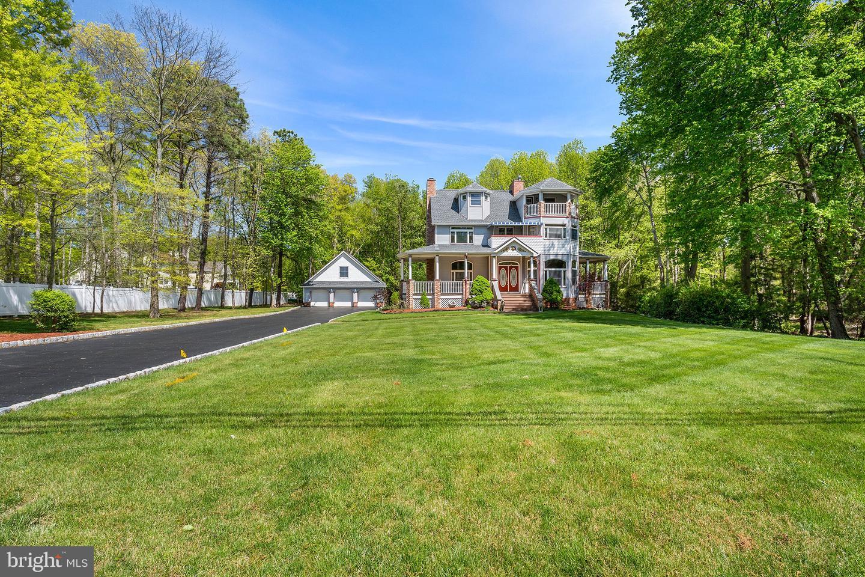 Single Family Homes 为 销售 在 门罗镇, 新泽西州 08831 美国