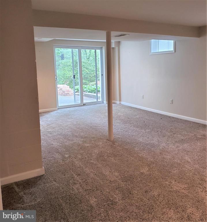 Level walkout basement - 4510 TIMBERY DR, JEFFERSON