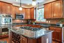 Stainless steel appliances, crown molding - 3 MOUNT ARARAT LN, STAFFORD