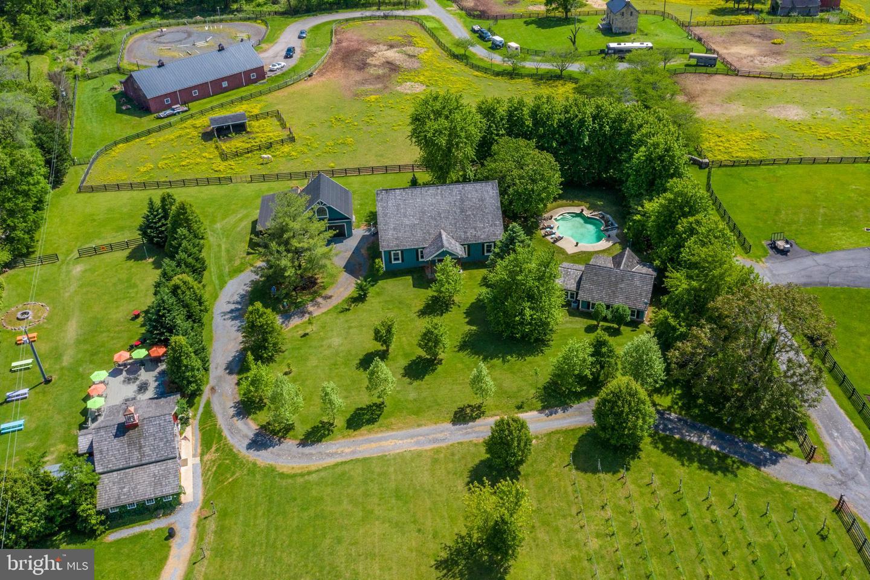 Single Family Homes 為 出售 在 Hamilton, 弗吉尼亞州 20158 美國