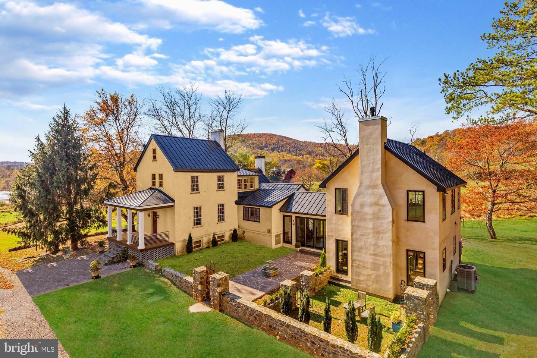 Single Family Homes 為 出售 在 Delaplane, 弗吉尼亞州 20144 美國