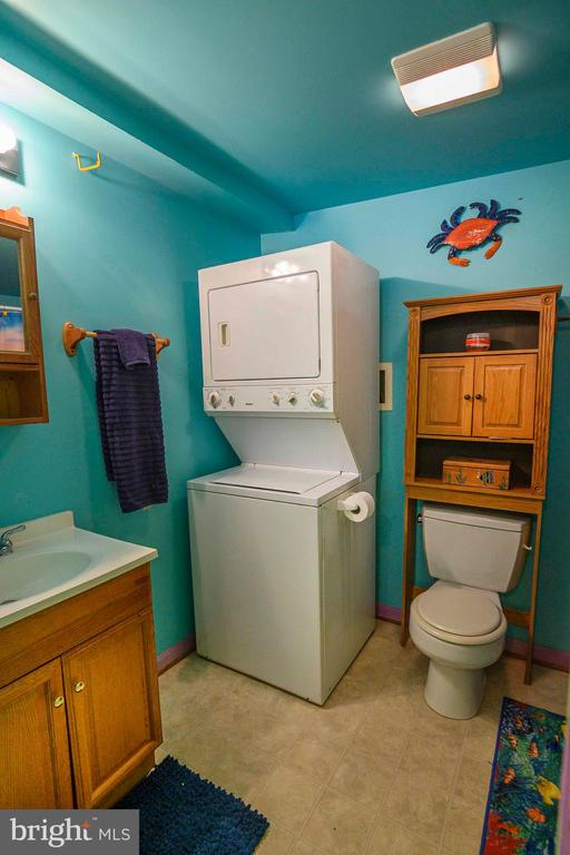 Guest cottage with washer and dryer - 339 LAKE SERENE DR, WINCHESTER