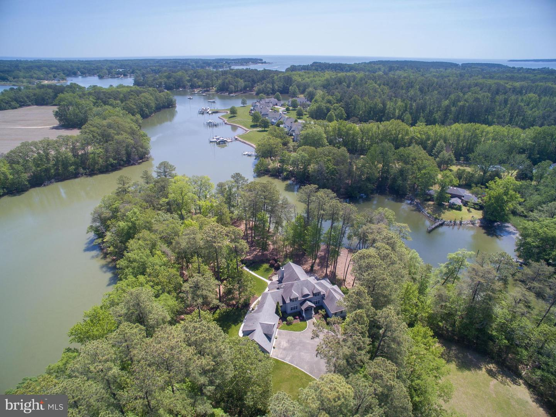 Single Family Homes 為 出售 在 White Stone, 弗吉尼亞州 22578 美國