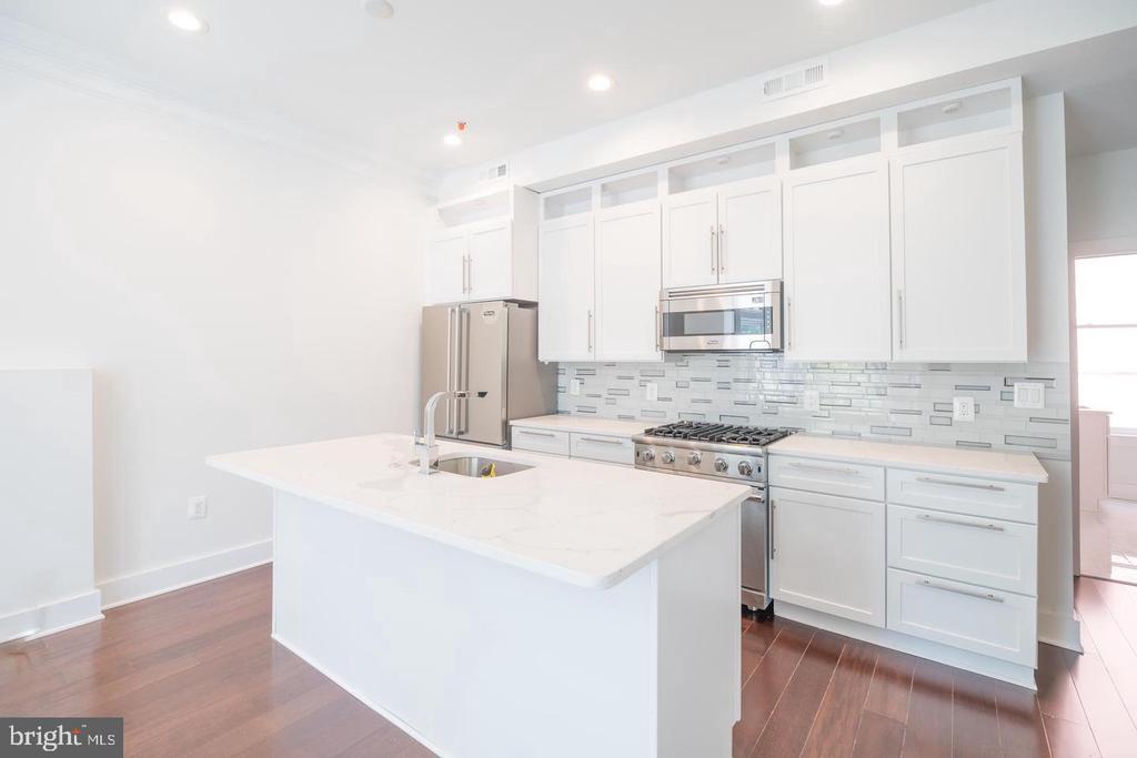 Mid Unit Kitchen - 1640 19TH ST NW, WASHINGTON