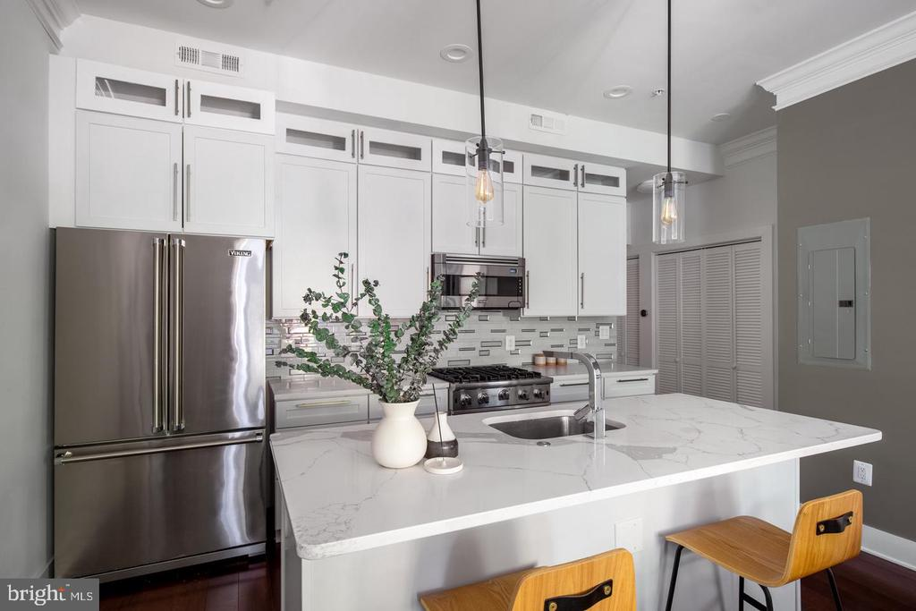 Staged picture of main level kitchen - 1640 19TH ST NW, WASHINGTON