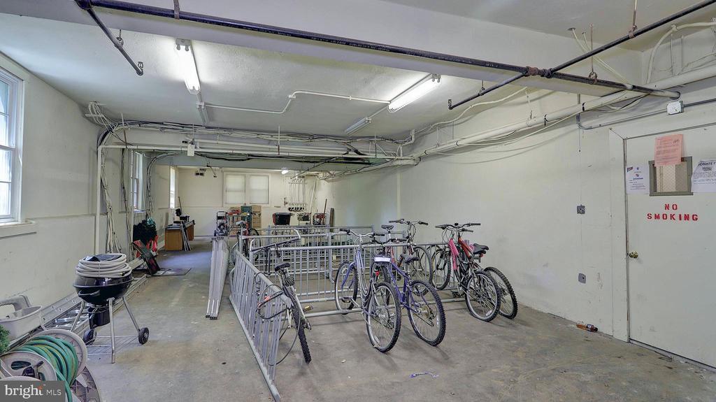 Large indoor bike and storage locker. - 1821 N RHODES ST #4-263, ARLINGTON