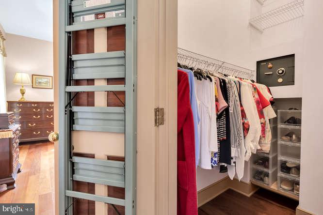Baster Closet - 23158 CANNON RIDGE LN, MIDDLEBURG