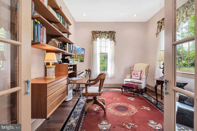 First floor office with Verizon FIOS - 23158 CANNON RIDGE LN, MIDDLEBURG