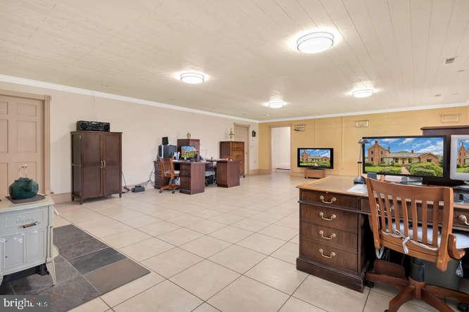 Lower level office or rec room - 23158 CANNON RIDGE LN, MIDDLEBURG