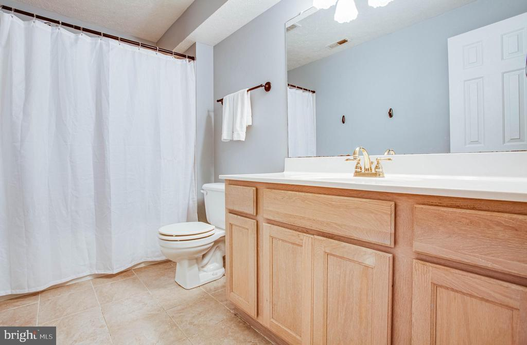 Full bath (basement level) - 3408 TITANIC DR, STAFFORD