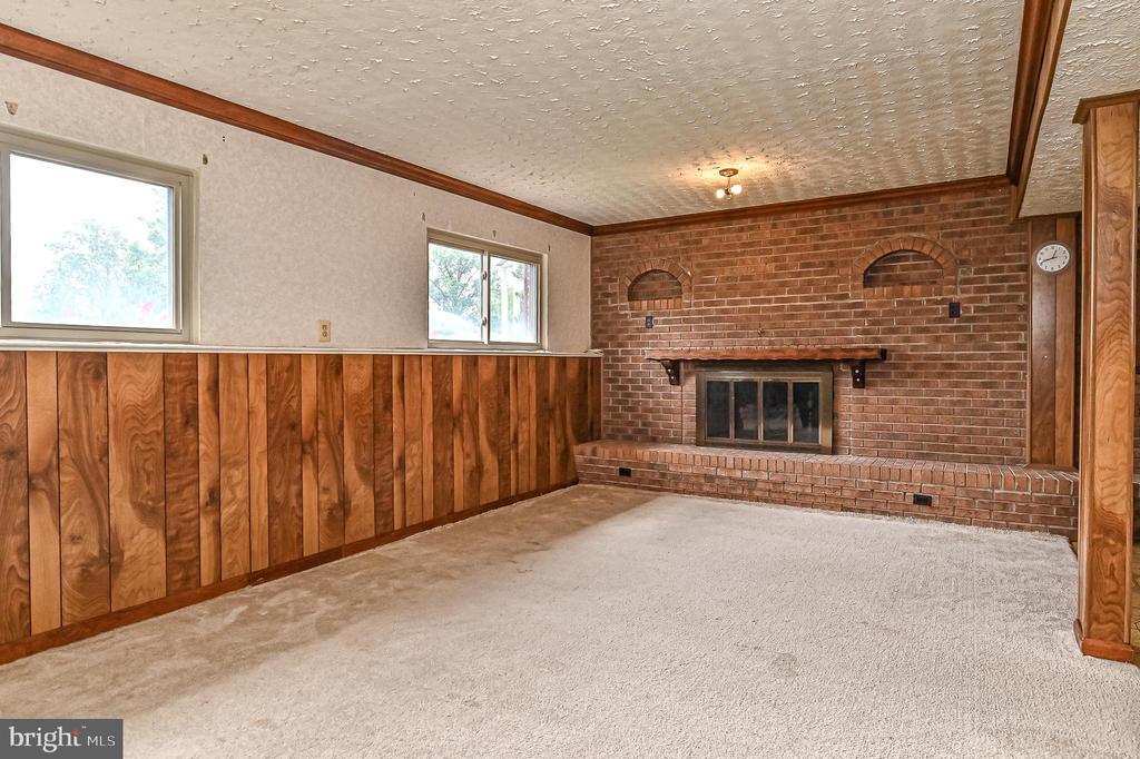 lower level english basement - 6100 PINTO PL, SPRINGFIELD