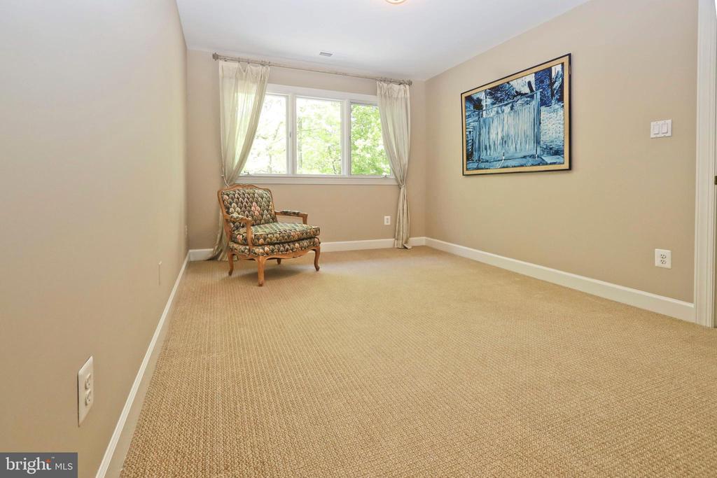 Master sitting room - 11331 BRIGHT POND LN, RESTON