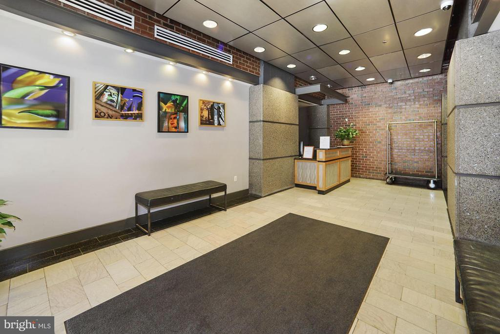 Lobby with concierge - 916 G ST NW #401, WASHINGTON