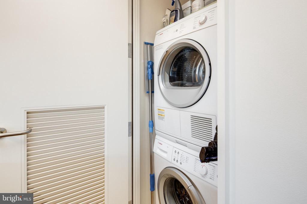 Stacked Washer / Dryer - 920 I ST NW #1007, WASHINGTON