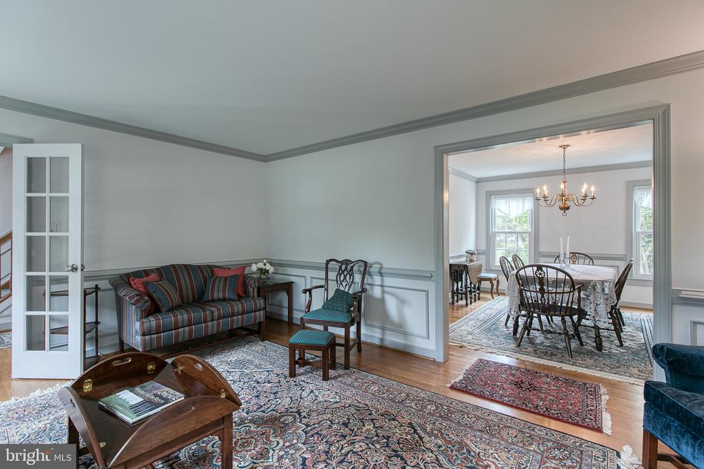 Living room with french doors opens to dining room - 14 STEEPLECHASE RD, FREDERICKSBURG