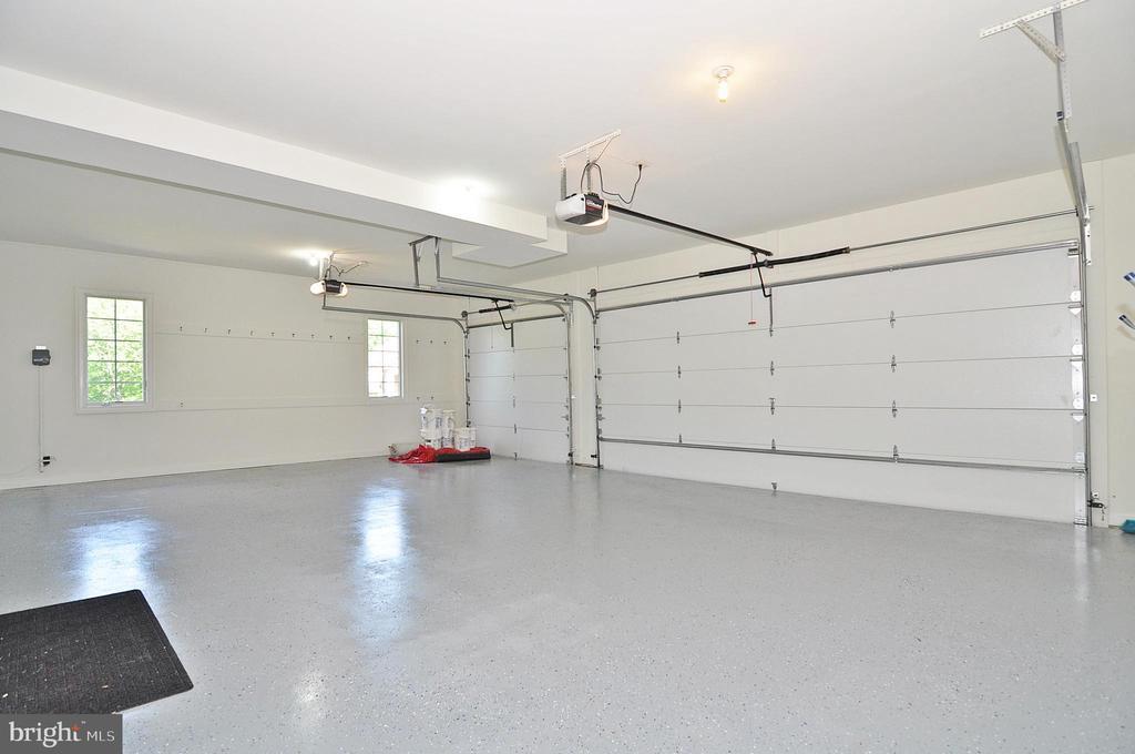 3-car attached garage - 2993 WESTHURST LN, OAKTON