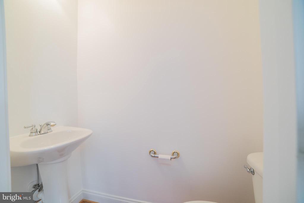 Half Bath Main Level - 214 ZINFANDEL LN, ANNAPOLIS