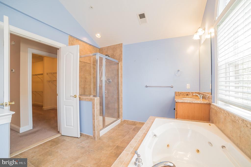Master Bath with Walk in Shower - 214 ZINFANDEL LN, ANNAPOLIS