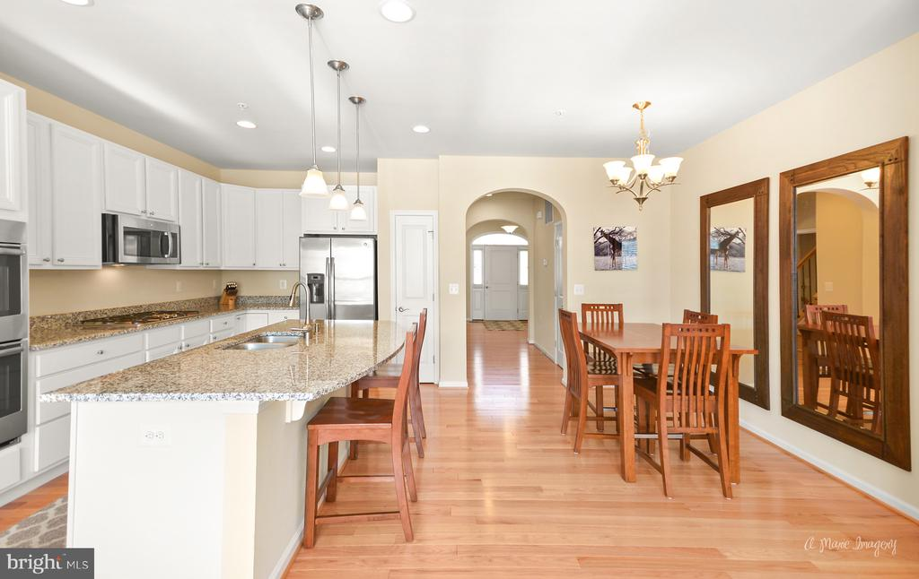 and large island with granite counters - 3029 STONERS FORD WAY, FREDERICK