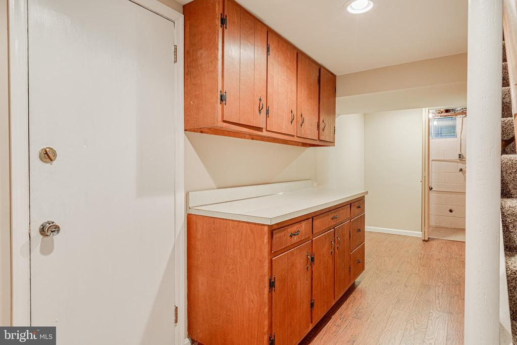 Extra storage cabinets in lower level - 4510 TIMBERY DR, JEFFERSON