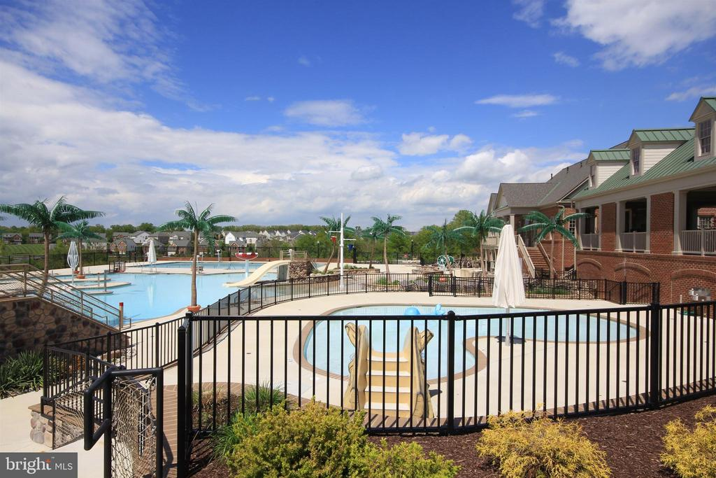 One of 3 pools! - 3656 BYRON CIR, FREDERICK