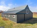 8 Stall Barn with tack room & hay loft - 19745 SHELBURNE GLEBE RD, PURCELLVILLE