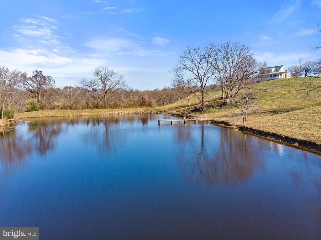 Large pond - 19745 SHELBURNE GLEBE RD, PURCELLVILLE