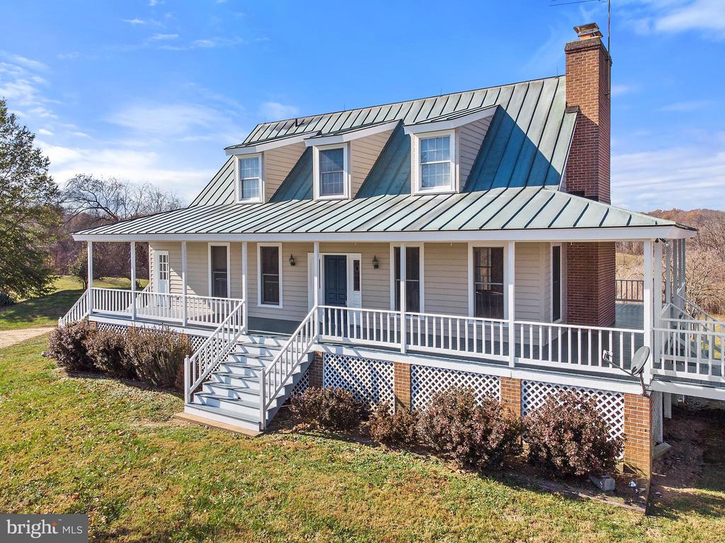 Live here while you build your dream home - 19745 SHELBURNE GLEBE RD, PURCELLVILLE
