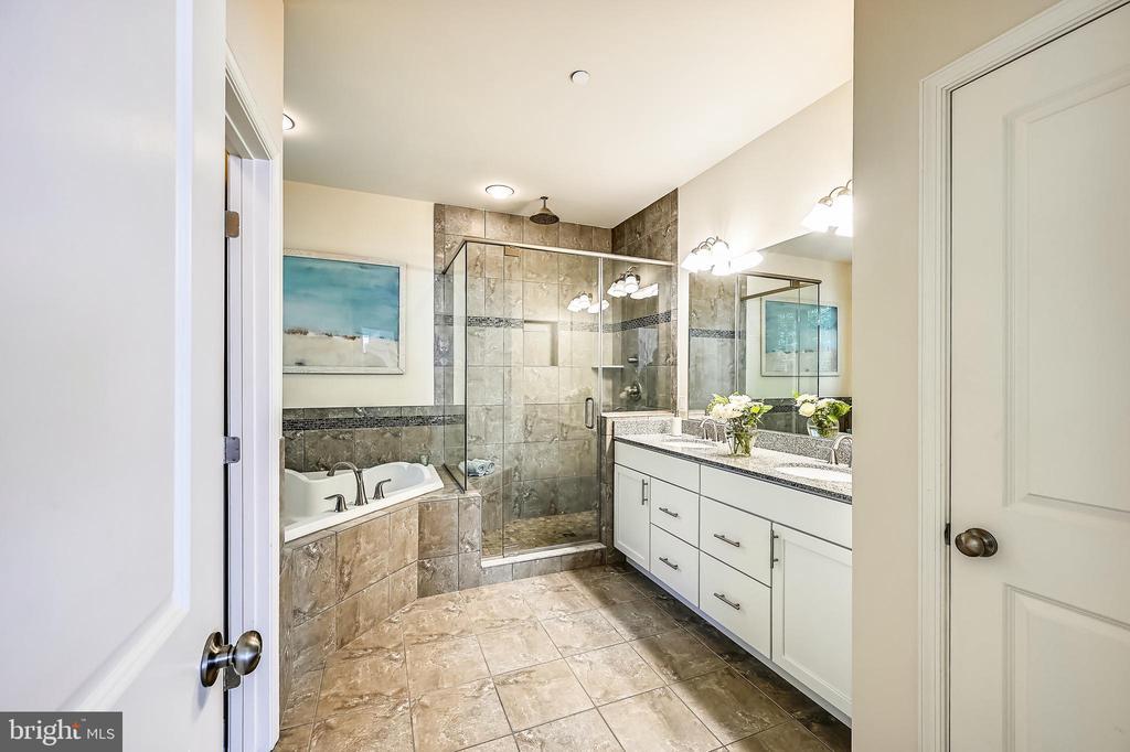 Spa-like master en suite bath - 3428 COHASSET AVE, ANNAPOLIS