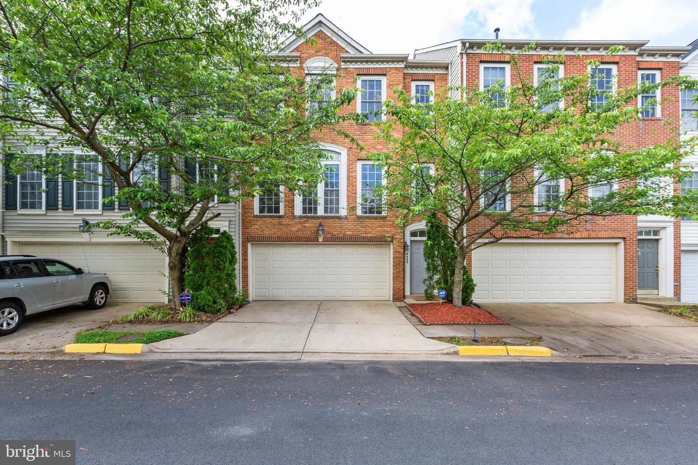 Photo of 6495 TOPSAILS LN, SPRINGFIELD, VA 22150