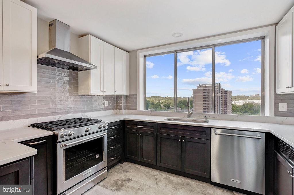 Be the 1st to enjoy this well-designed new kitchen - 10201 GROSVENOR PL #1701, NORTH BETHESDA