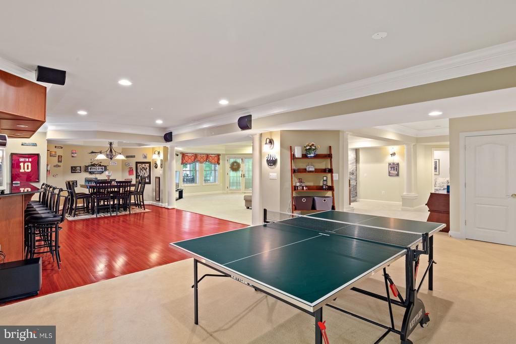 Bar and Game Area - 3722 HIGHLAND PL, FAIRFAX