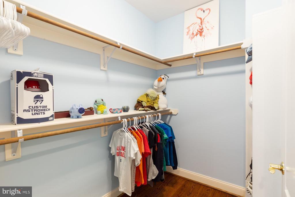 Bedroom #2 Walk-In-Closet - 3722 HIGHLAND PL, FAIRFAX